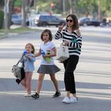Unterwegs: 3. Mai 2016: Ortswechsel: Jessica Alba schwänzte die Met Gala in New York und genießt derzeit lieber das Familienleben in Beverly Hills mit ihren Töchtern Honor Marie und Haven Garner.