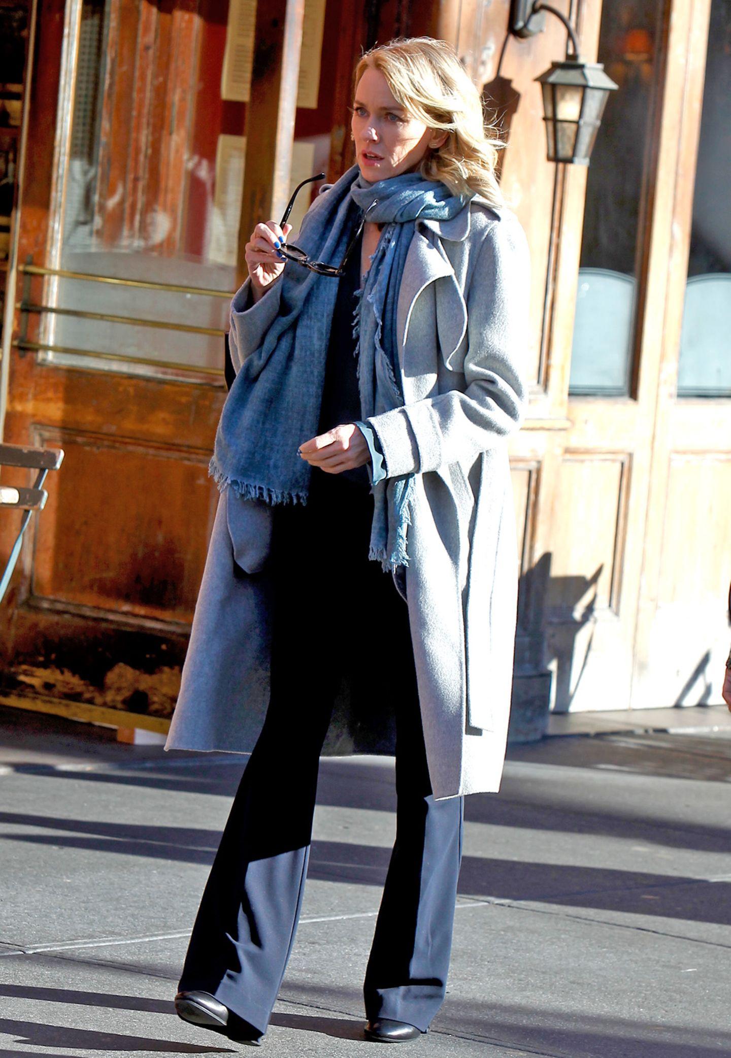 """Naomi Watts' Hauptrolle """"Jean Holloway"""" in der Netflix-Serie """"Gypsy"""" ist ebenfalls immer sehr lässig, aber doch elegant gestylt."""
