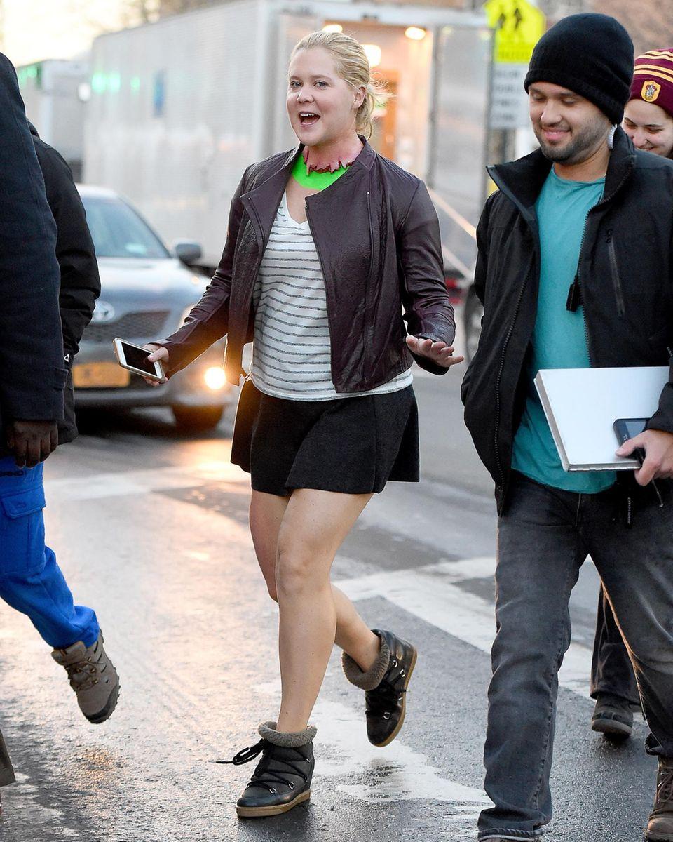"""2. Februar 2016: Amy Schumer ist unterwegs am Set von """"Inside Amy Schumer"""" in Queens."""