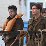 """Harry Styles an einem Filmset? Richtig gesehen! Mit neuer Frisur und mächtig viel Dreck im Gesicht spielt der """"One Direction""""-Sänger neben Starschauspieler Cillian Murphy im neuen Film """"Dunkirk"""" von Christopher Nolan mit."""