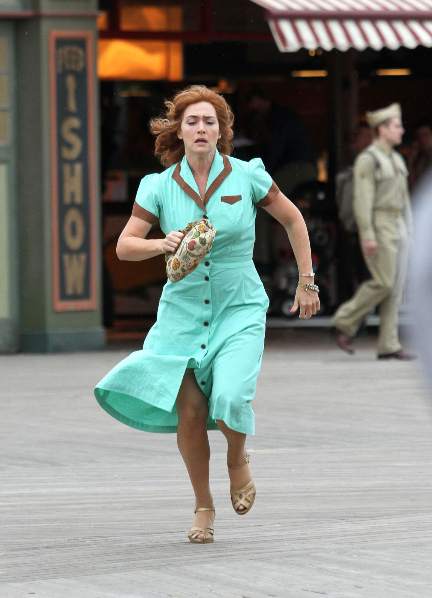 1. Oktober 2016: Jetzt aber schnell: Kate Winslet steht in New York für Woody Allens neuen Film im 50er-Jahre-Look vor der Kamera.