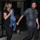 Hier brodelt's: Juni 2016 Jennifer Aniston und Justin Theroux erwarten Nachwuchs! So lautet zumindest ein Gerücht nach Bikini-Bildern aus dem Urlaub. Doch nur einen Tag später dementiert Anistons Sprecher die Babynews.