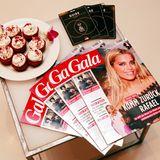Ein guter Mix: Leckere Cupcakes, die MasterCard City Guides und natürlich die neue GALA