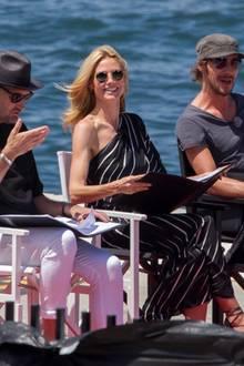 ... Die Jury mit Michael Michalsky, Heidi Klum und Thomas Hayo nimmt den Busenblitzer mit Humor.
