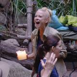 Jenny Elvers freut sich, dass die Zuschauer sie nicht mehr im Camp haben wollen.