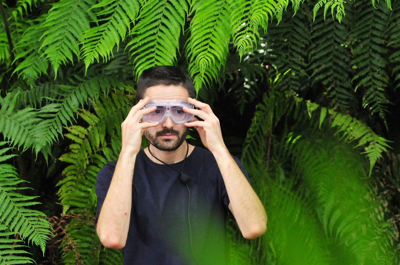 Finalist Menderes Bagci kurz vor seiner letzten Dschungelprüfung. Das DSDS-Urgestein soll fünf Minuten in einem Erdloch in absoluter Dunkelheit zusammen mit 40 Schlangen aushalten.
