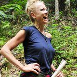 Wahrscheinlich ist ihr mittlerweile das Lachen vergangen. Jenny Elvers gilt zwar als eine der Favoritinnen, wird allerdings von den Zuschauern schon beim zweiten Voting aus dem Camp geworfen.