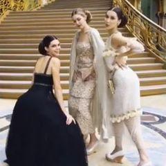 Fertig geschminkt bleibt ihr vor der Schau noch Zeit um mit Freundin Kandall Jenner und Schwester Bella herumzualbern und eine Runde zu twerken.