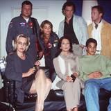 """Mit Ulrich Bähnk, Gerit Kling, Thomas Sarbacher, Matthias Eric Herrmann und Daniela Ziegler dreht Karen Friesicke """"Die Rettungsflieger"""" (1997 bis 2007)."""