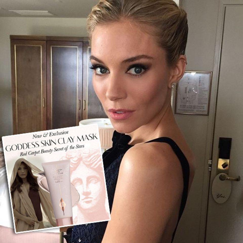 """Star-Visagistin Charlotte Tilbury verriet, dass sie Sienna Miller vor den Oscars die """"Goddess Skin Clay Mask"""" aufgetragen habe, um die Poren zu verkleinern und die Haut zu straffen. Sie schminkte für die Verleihung auch weitere Stars wie Jessica Hart, Laura Bailey und Poppy Delevingne."""