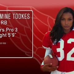 Victoria's Secret: Auch die Nummer 32, Jasmine Tookes, sollte man nicht unterschätzen. Als Running Back beweist das Model: Sie ist voll am Ball!
