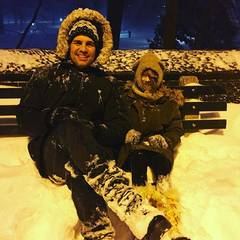 """Mark Ruffalo sitzt mit Tochter Odette während des Blizzards in """"ihrem Wohnzimmer""""."""