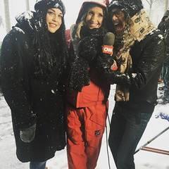 """""""Aerosmith""""-Sänger Steven Tyler läuft mit Tochter Mia in New York zufällig an einem Kamerateam von CNN vorbei und lässt sich direkt zum Wetter interviewen. Außerdem grüßt er seinen Enkel Milo."""