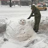 Jennifer Hudson macht sich über diesen Schneemann lustig.