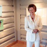 """4. Juni 2016: Königin Sonja eröffnet die Ausstellung """"Three trips - Three landscapes"""" im norwegischen Greaaker."""