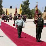 4. April 2016: König Abdullah von Jordanien besucht die Soldaten der 40. Brigade in der Kleinstadt Qatrana.