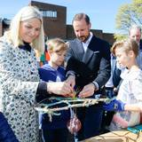 """4. Mai 2016: Prinzessin Mette-Marit und Prinz Haakon eröffnen die Ausstellung """"Håp for havet"""" (dt.: Hoffnung für das Meer) im norwegischen Maritimen Museeum auf Bygdöy."""