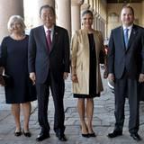 30. März 2016: UN-Generalsekretär Ban Ki-moon, Prinzessin Victoria, der schwedische Premier Stefan Lofven und seine Frau Ulla Lofven treffen sich im Stockholmer Rathaus.
