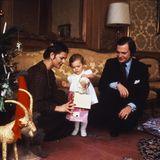 Im Anschluss an den Fototermin gibt es die ersten Geschenke für die kleine Prinzessin.