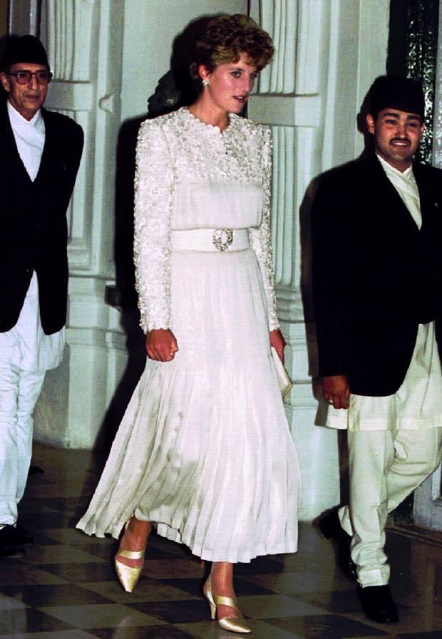 Fashion-Looks: Fotos der schönsten Kleider von Lady Diana - S. 15 ...