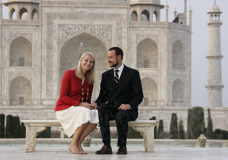 Auch Prinzessin Mette-Marit und Prinz Haakon von Norwegen sind im Oktober 2006 auf Staatsbesuch im indischen Agra, dem Ort, wo das Denkmal steht.