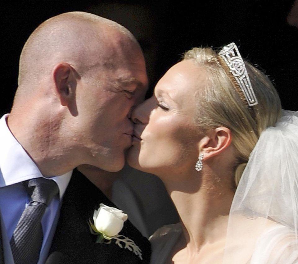 30. Juli 2011  Mika Tindall und Queen-Enkelin Zara Philips