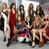 Designerin Diane von Furstenberg hat sie alle backstage! Gigi Hadid, Lily Aldridge, Alanna Arrington, Kendall Jenner, Jourdan Dunn, Karlie Kloss, Irina Shayk und Elsa Hosk (v.l.) haben viel Spaßm bei der etwas anderen Präsentation.