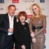 Die Gastgeber Nico Hofmann und Anne Meyer-Minnemann mit Schauspielerin Hannelore Hoger