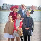 Königin Máxima und König Willem-Alexander der Niederlande mit ihren Töchtern Prinzessin Amalia, Prinzessin Alexia und Prinzessin Ariane
