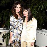 Trend: Pyjama-LookCamilla Belle und Selma Blair strahlen in ihren hübschen Pyjamas um die Wette. Während Camilla sich für eine blumige Variante entscheidet, setzt Selma auf schlichte Eleganz. Beide Modelle sind von Dolce & Gabbana.
