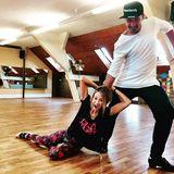 Ein bisschen Spaß muss sein: Alessandra Meyer-Wölden und Sergiu Luca trainieren für die nächste Live-Show.