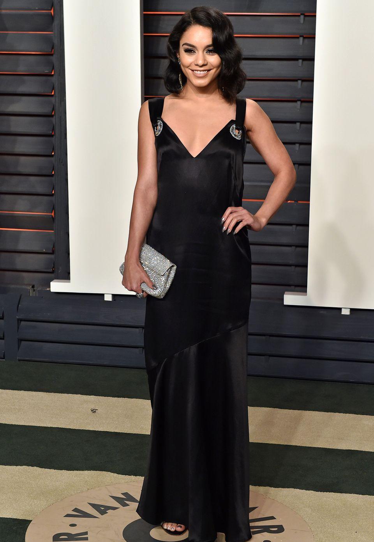 In H&M zur Vanity Fair Oscar Party kam Vanessa Hudgens. Das Kleid aus Bio-Seide wurde für sie persönlich designt und wird Teil der kommenden H&M Conscious Collection sein.
