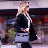 DER Handtaschen-Klassiker überhaupt! Und Sylvie hat sie natürlich ... Die Kelly Bag von Hermès, ein echtes Investement-Piece ab 3.500 Euro aufwärts.