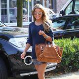 Auf zum Lunch-Date! Sylvie kombiniert zur ihrer Hermès-Tasche passende Ballerina.
