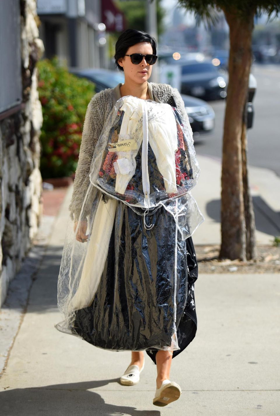 Rumer Willis bringt ihr geliehenes Kleid zurück.