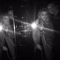 Sind sie ein Paar oder nicht? Im April 2016 zeigt sich Brooklyn Beckham jedenfalls auf Instagram gemeinsam mit der Schauspielerin Chloë Grace Moretz.
