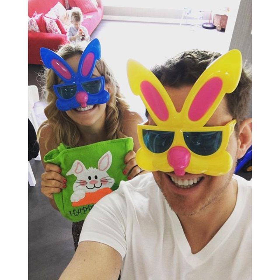 Michael Bublé und seine Frau Luisana Lopilato feiern kunterbunte Ostern.