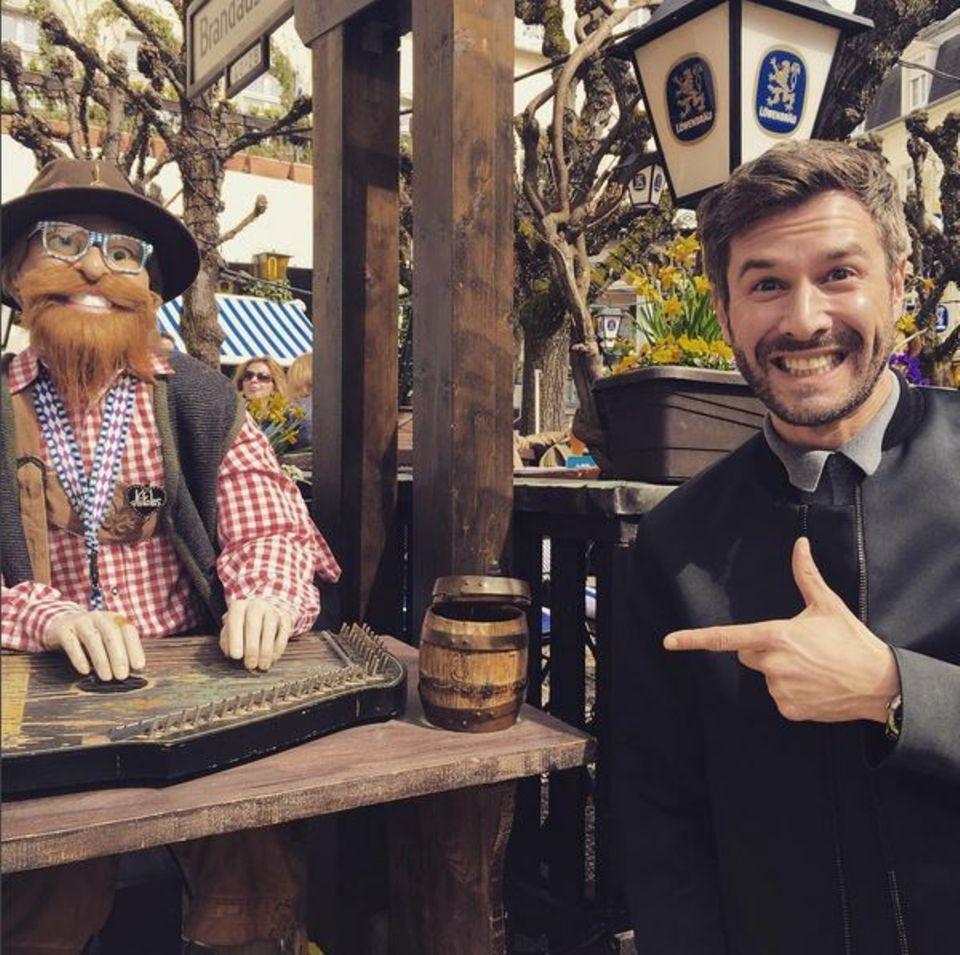 2. April 2016: Jochen Schropp freut sich in Baden Baden angekommen zu sein und ist verblüfft über die musikalischen Naturtalente, die es dort gibt.