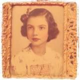 Die instagram-Königin Taylor Swift betrachtete die Plattform zunächst als Familienalbum. Sie startet mit diesem vergilbten Bild ihrer Grossmutter.