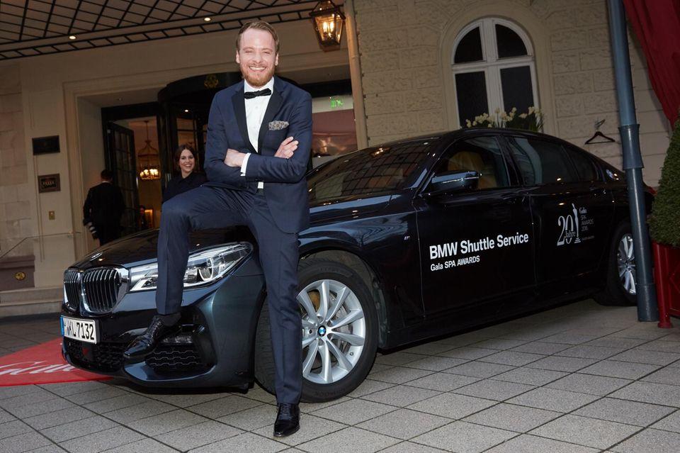 Dank des BMW-Shuttles kamen Schauspieler Stefan Konarske und die übrigen Gäste und Prominente pünktlich und sicher zum Event.