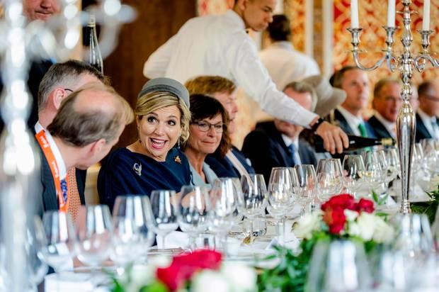 Tag 2  Im Rathaus von Nürnberg gibt es ein gemeinsames Mittagessen, bei dem Ergebnisse der verschiedenen Treffen diskutiert werden.