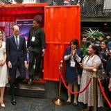 """Tag 2  Das Herzogspaar besuchen in Mumbai eine Veranstaltung der """"Young Entrepreneurs"""","""