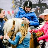 Besonders Prinzessin Alexia und Königin Máxima interessieren sich für die Pferde und den Reitsport.