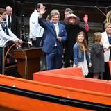 Nach den sportlichen Aktivitäten steht eine Bootsfahrt über die Thorbeckegracht auf dem Programm.