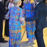 Bei einem Fashion-Event, auf dem Star-Designer Valentino geehrt wird, ist es wohl nicht sehr schwierig gewesen, jemanden mit dem gleichen Outfit zu finden. Nicky Hilton und Dee Hilfiger waren hier die Glücklichen.
