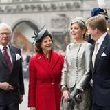 2014 feierte man 400 Jahre diplomatische Beziehungen zwischen Schweden und den Niederlanden. Drei Royals plaudern und strahlen - Königin Silvia, Königin Máxima und König Willem-Alexander. Einer steht daneben, als sei er nur zufällig ins Bild gestolpert: König Carl Gustaf.