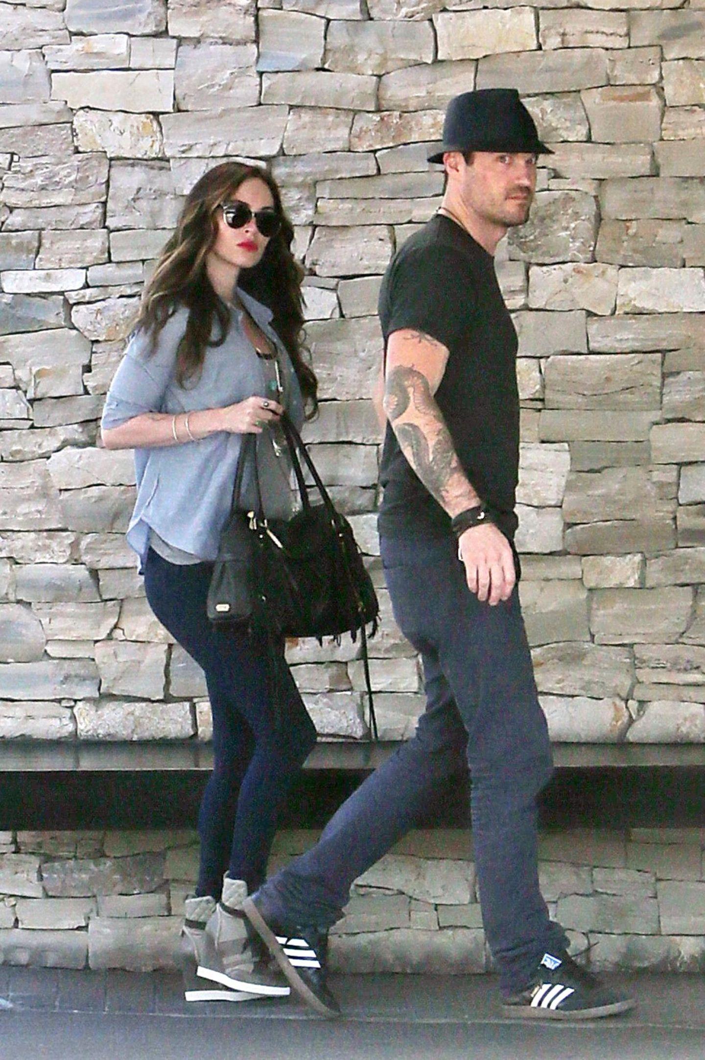 14. November 2013: Die schwangere Megan Fox und Brian Austin Green sind auf dem Weg zum Mittagessen in Los Angeles.