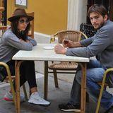 4. Mai 2013: Mila Kunis und Ashton Kutcher gucken beim Urlauben im spanischen Jerez de la Frontera begeistert aus der Wäsche.