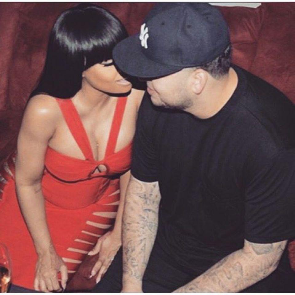 """Blac Chyna ist schwanger. Grund genug für Rob Kardashian, seiner Freundin am Muttertag eine Liebeserklärung zu machen: """"Ich hab mich sofort in sie verliebt, weil sie so eine tolle Mama ist, und jetzt freue ich mich darauf, mit ihr eine Familie zu gründen"""", schreibt er auf Instagram."""