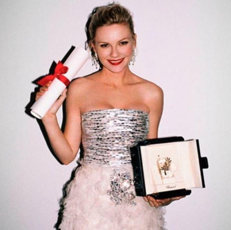 Kirsten Dunst freut sich dieses Jahr in Cannes als Jurorin dabei zu sein. Auf Instagram zeigt sie ein Bild aus dem Jahr 2011, als sie als beste Darstellerin geehrt wurde.